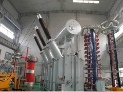 220kV及110kV三相油浸式电力变压器
